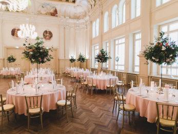 Tischdekoration im Salles de Pologne